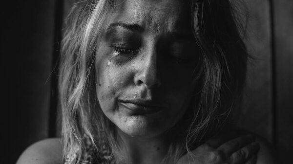 احساس تحقیر شدن از علائم یک رابطه ناسالم است