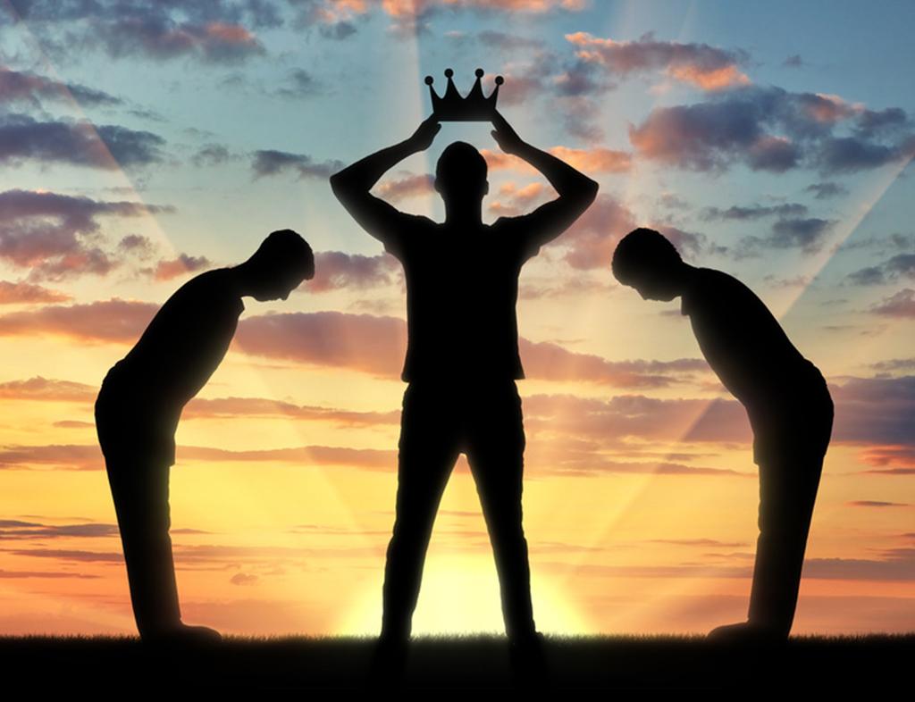 یک ویژگی افراد خودشیفته که اغلب باعث رنجش اطرافیان میشود،
