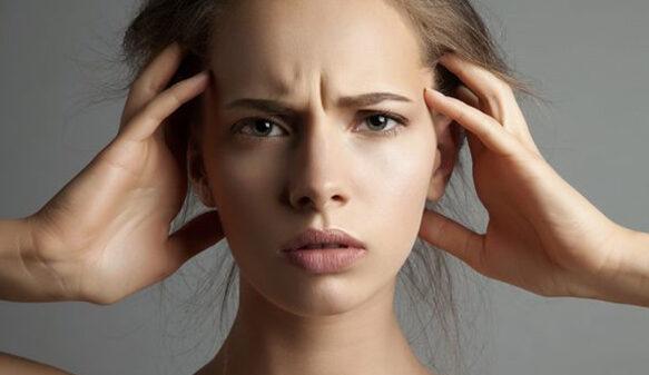 تاثیر استرس بر پوست . موهایتان می ریزد و صورتتان جوش می زند؟