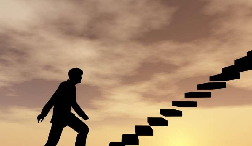 برای رسیدن به موفقیت فردی به دیگران دقت کنید