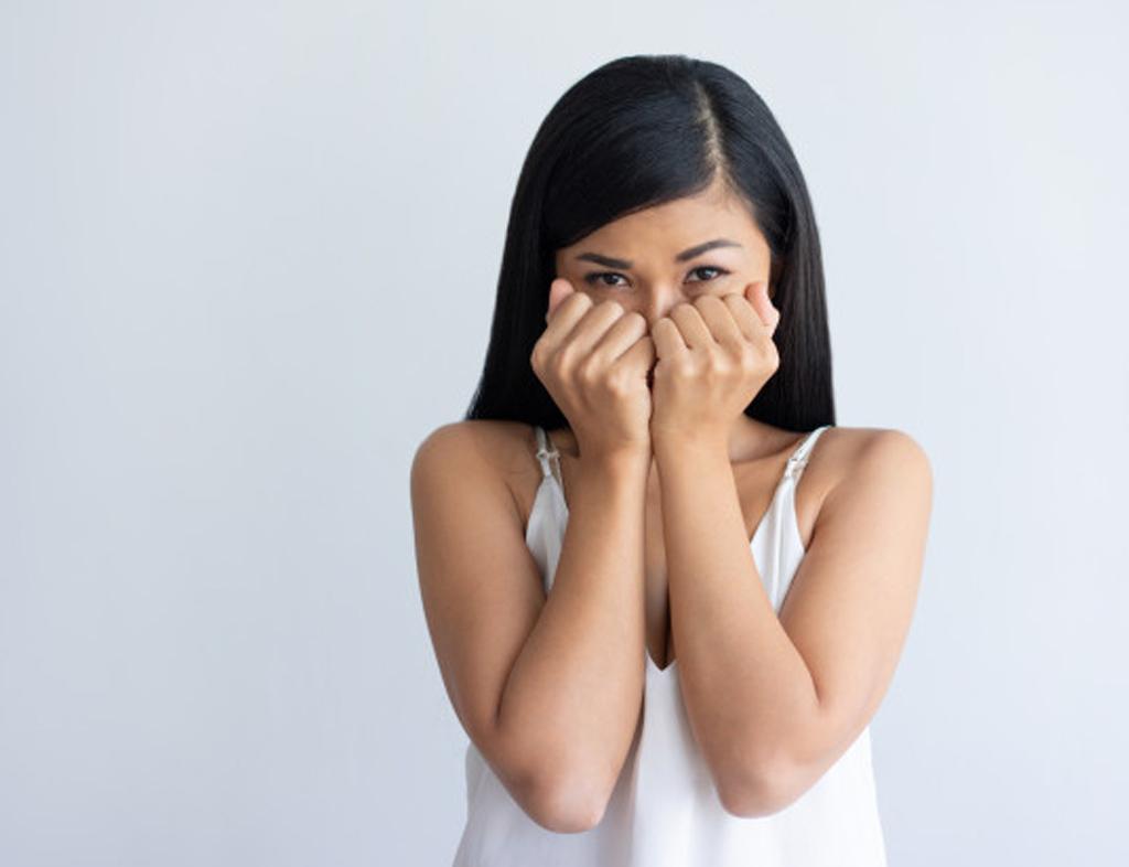 زمانی که شخصی با عزت نفس پایین دچار شکست عاطفی میشود
