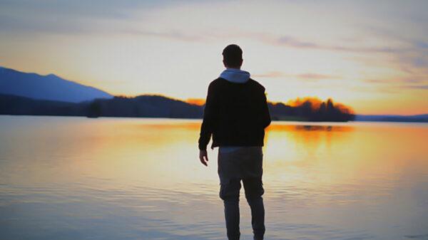 رهایی از عشق یک طرفه | با این راهکارها زندگی شاد را تجربه کنید