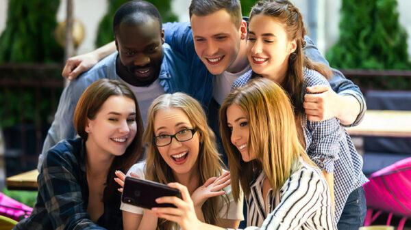 روابط اجتماعی خود را تقویت کنید و راحتتر زندگیتان را پیش ببرید