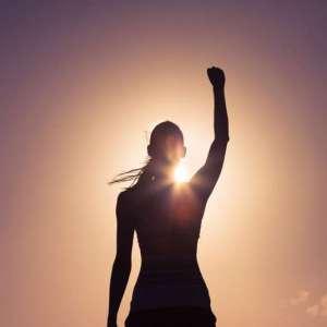 زنان قوی چه ویژگیهایی دارند و زندگی در مقابل چشمانشان چگونه است؟
