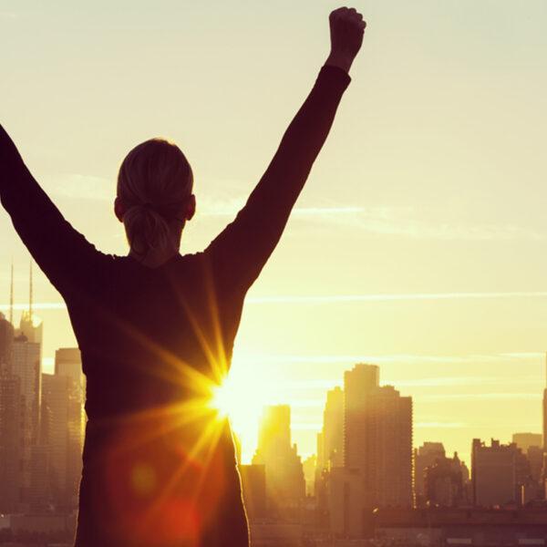 عواملی که موجب بالا رفتن عزت نفس در انسان میشود