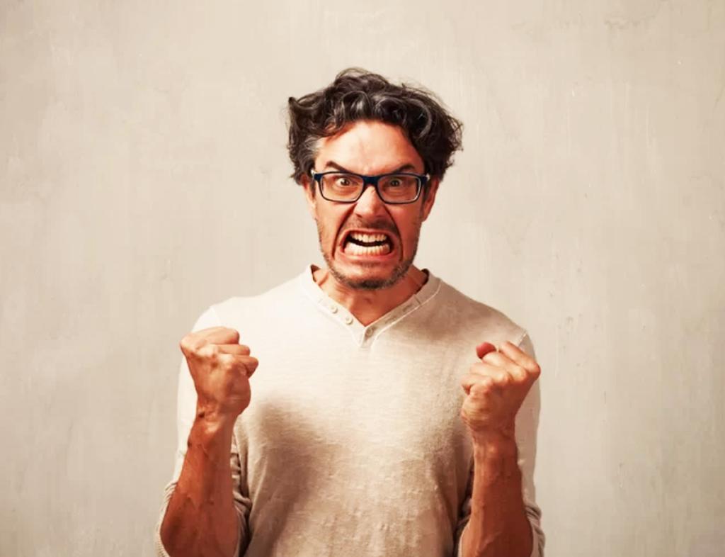 یکی دیگر از مهمترین اقداماتی که در مواجهه با افراد عصبانی باید صورت بدهید