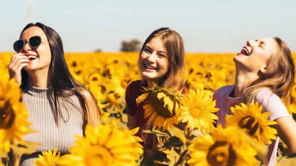 8 مورد از راه های شاد بودن زنان | خوشبختی را اینجا دنبال کنید