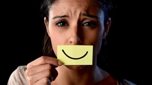 سرکوب احساسات عاطفی چه بلایی برسرتان می آورد؟