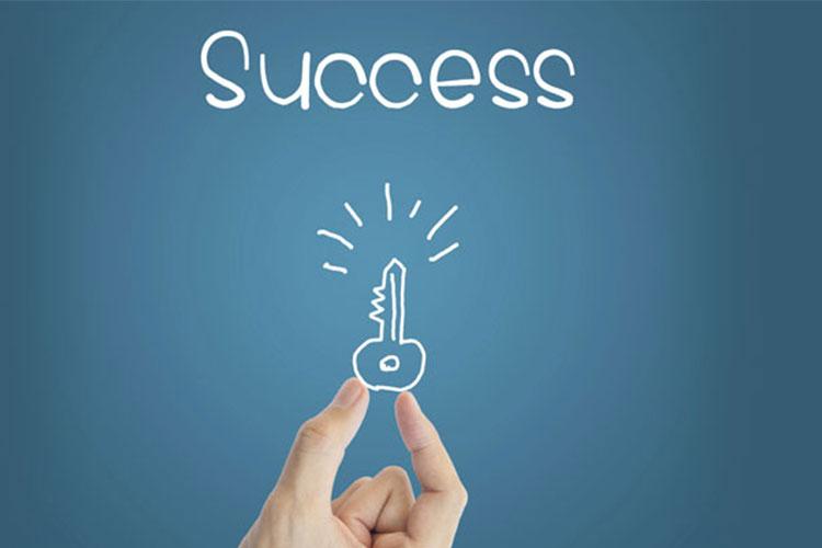 10 کلید موفقیت : منفی بافی را کنار بگذارید