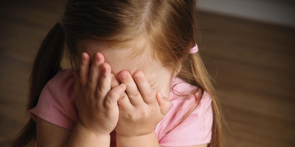 کمبود اعتماد به نفس در کودکان ریشه در چه دلایلی دارد و چه باید کرد؟