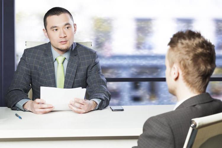 یک راز موفقیت در مصاحبه شغلی آماده کردن سوالات از قبل است