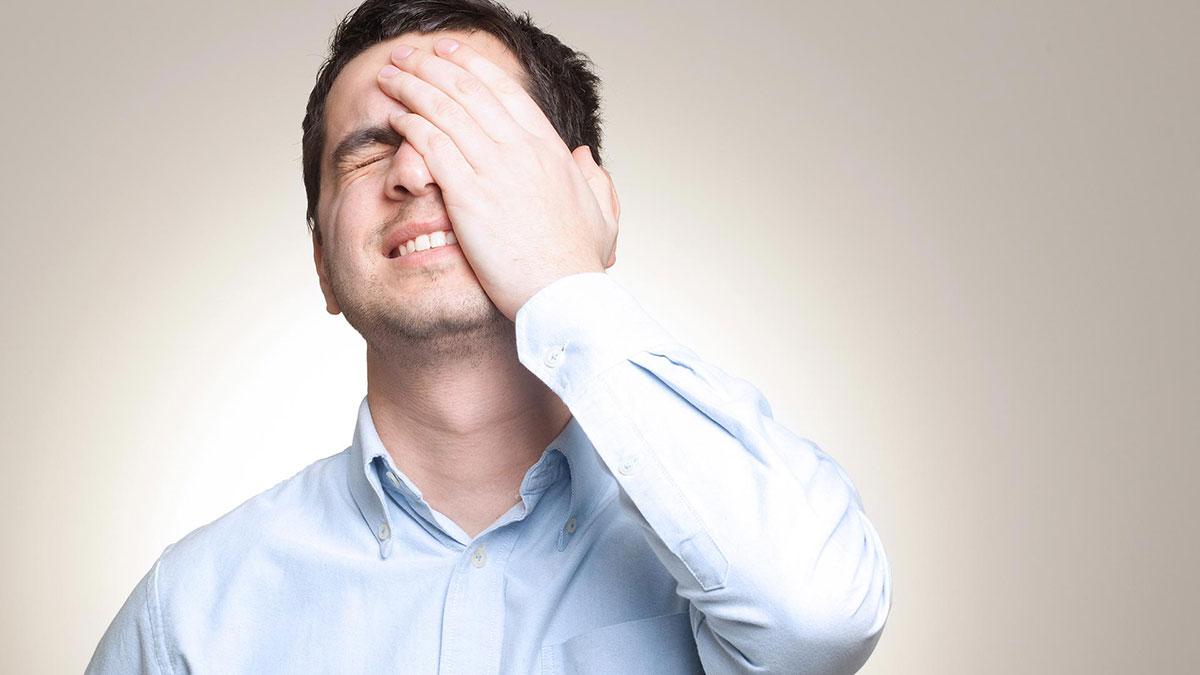 10 اشتباه احمقانه که افراد باهوش انجام می دهند