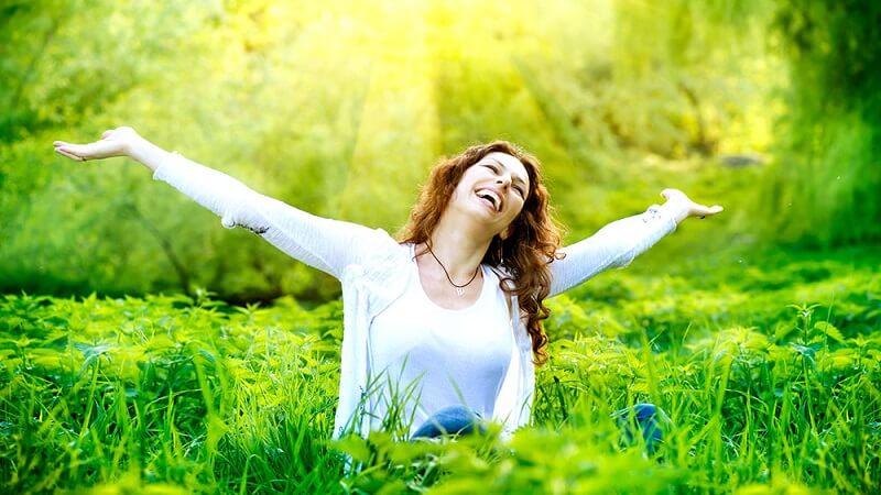 برای یافتن شادی به دنبال موضوعات خوب برویم