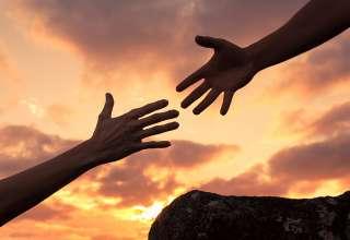 همدلی چیست؟ همدلی از همزبانی بهتر است؟