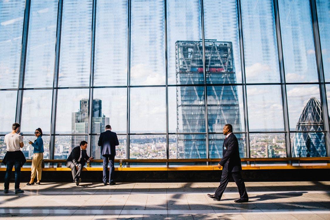۱۲ نکته که دانشجویان باید درباره دنیای کسب و کار بدونن